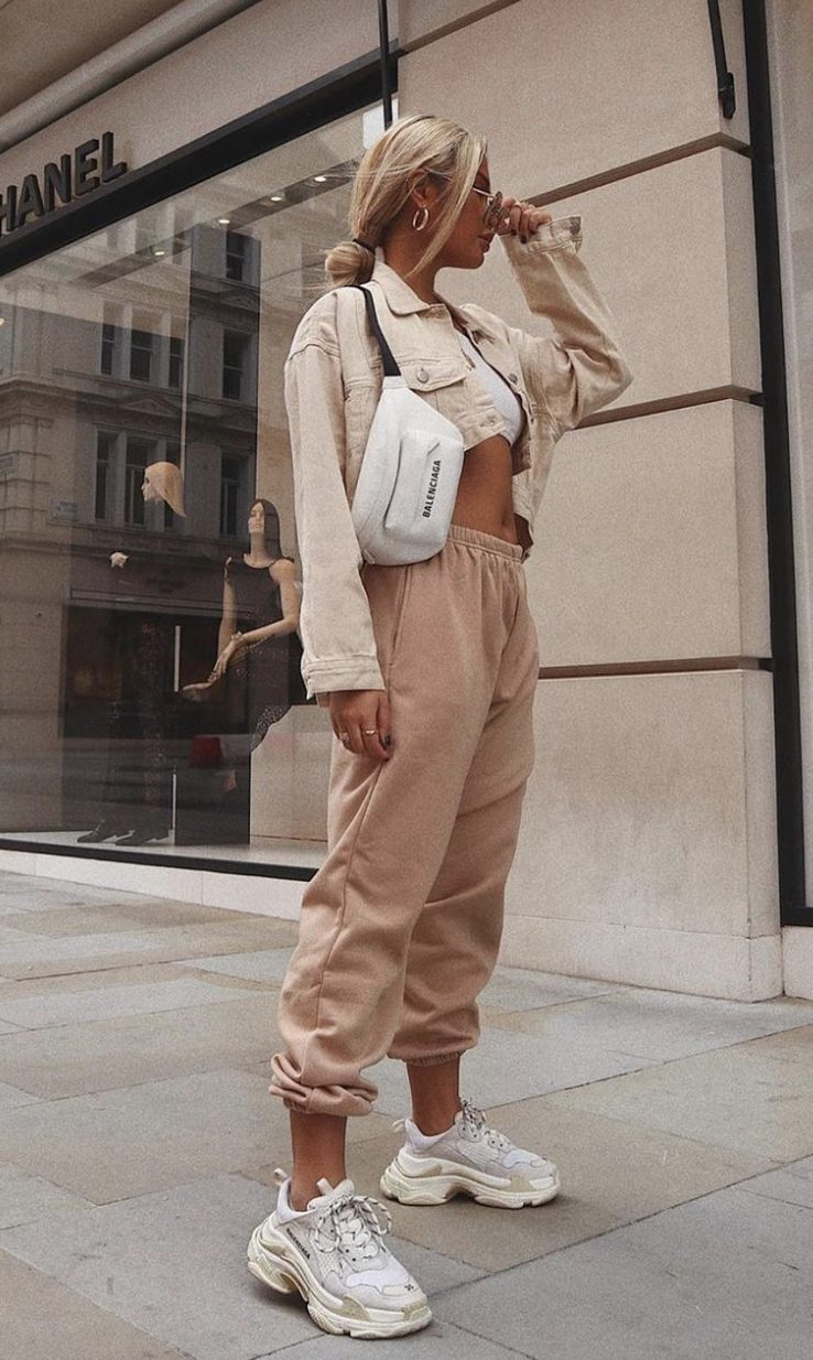 Cute beige outfits with joggers