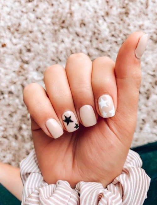 Nude nails with star nail art