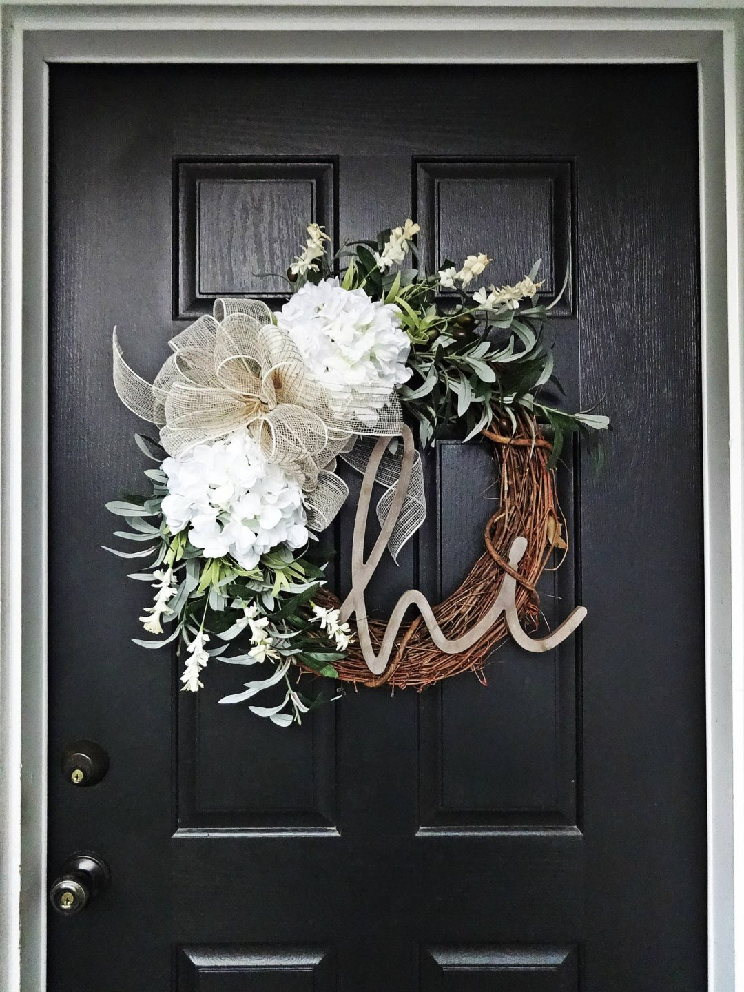 Modern farmhouse wreaths, best summer wreaths for front door with white hydrangea and grapevine