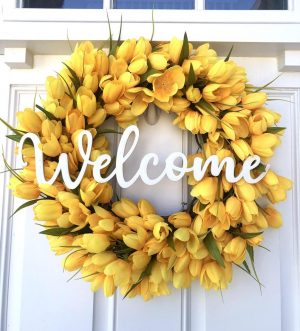 50+ Best Summer Wreaths For Front Door That Will Elevate Your Home