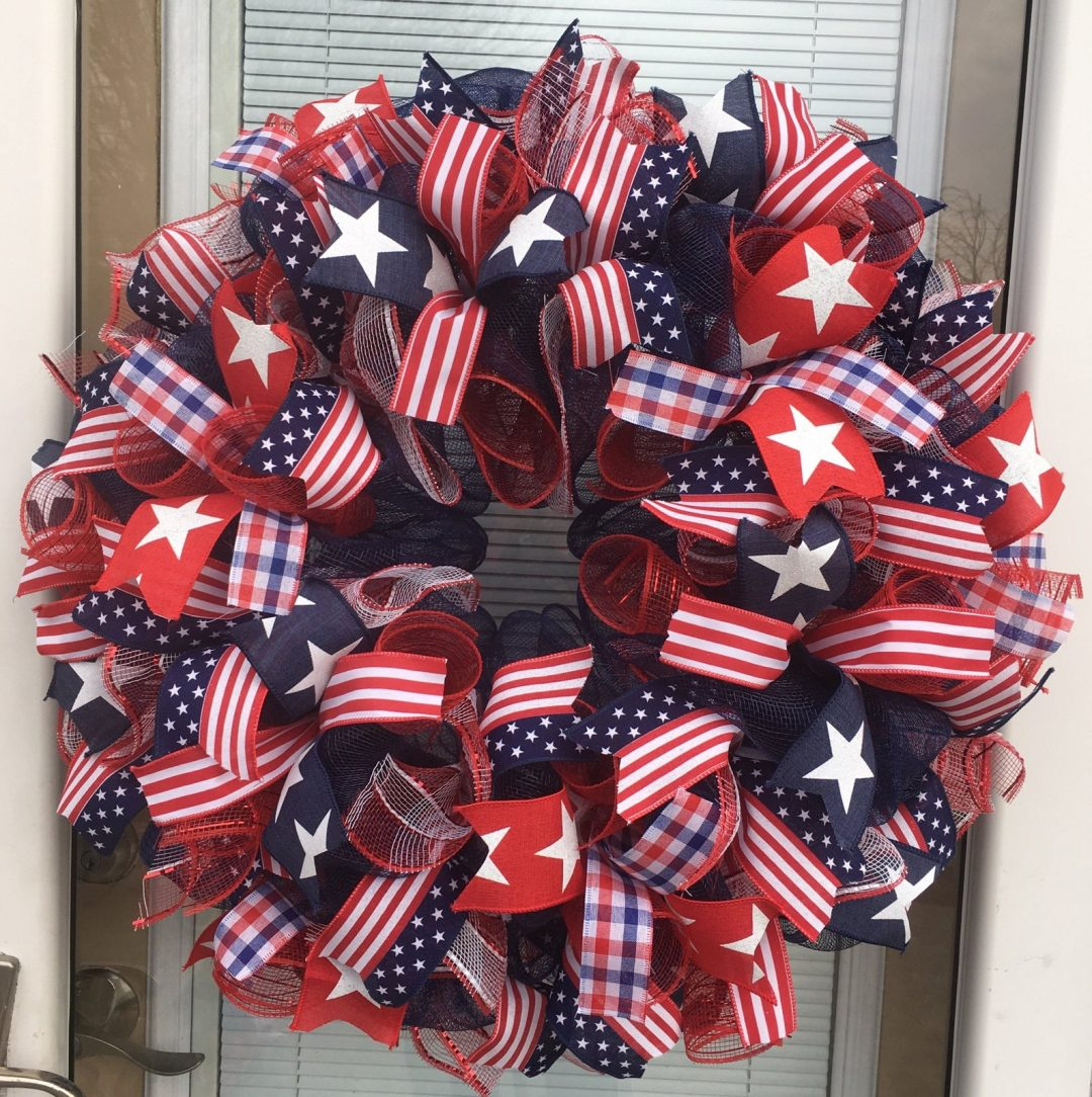 The best deco mesh 4th of July wreaths and deco mesh patriotic wreaths for summer