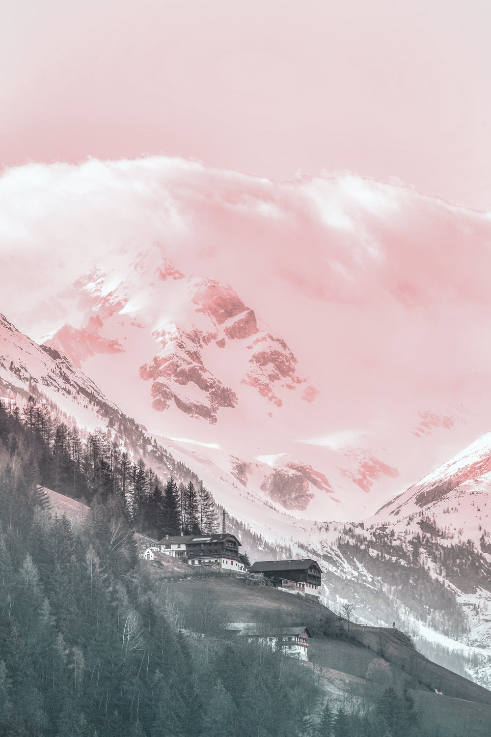 Pink skies and mountains wallpaper