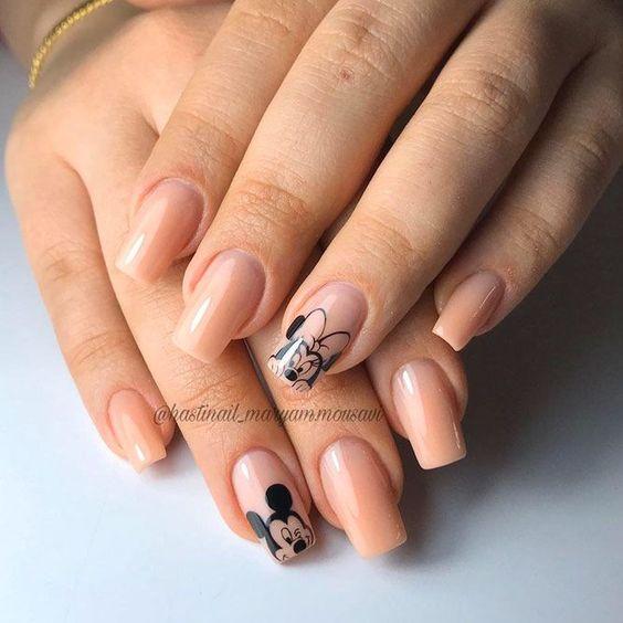 Cute Mickey and Minnie Disney nails