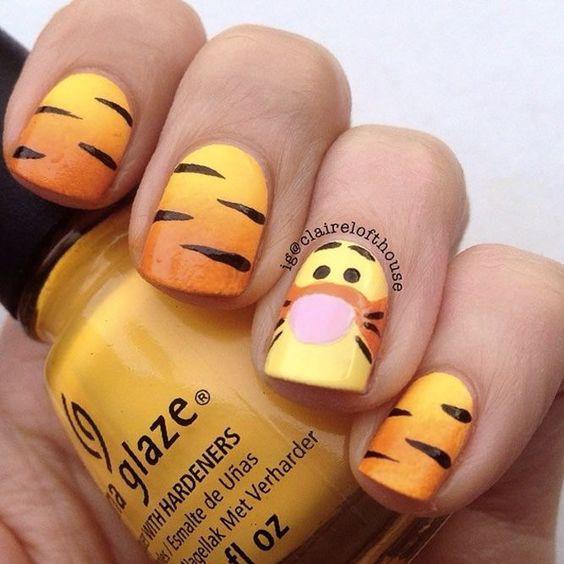 Cute Disney nails - Tigger nails from Winnie The Pooh