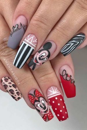 40+ Incredibly Cute Disney Nails That Will Lift Your Spirits