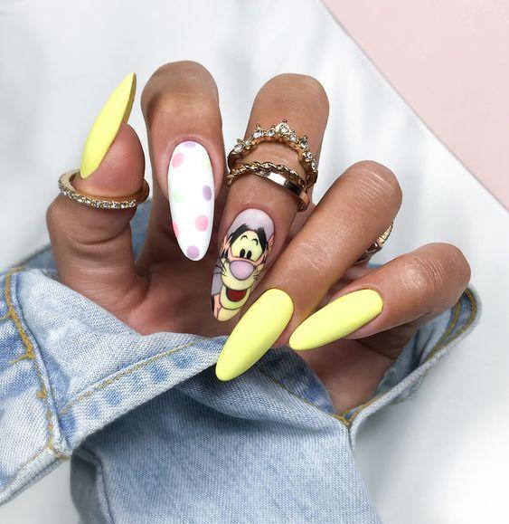 Yellow Winnie The Pooh nails with Tigger - acrylic Disney nails