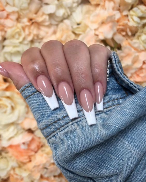 White acrylic coffin French tip nails