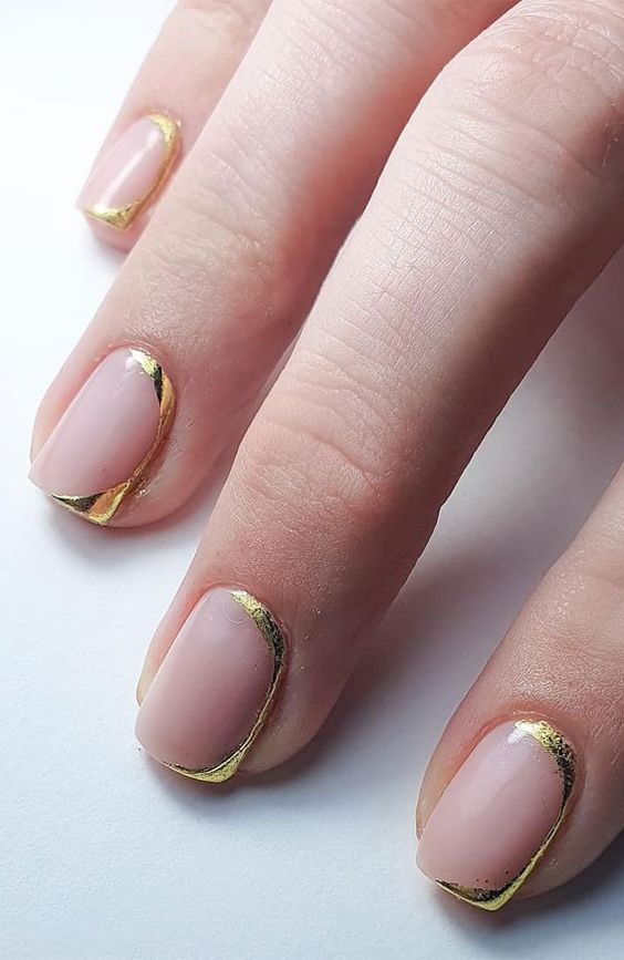Short gold French tip nail designs