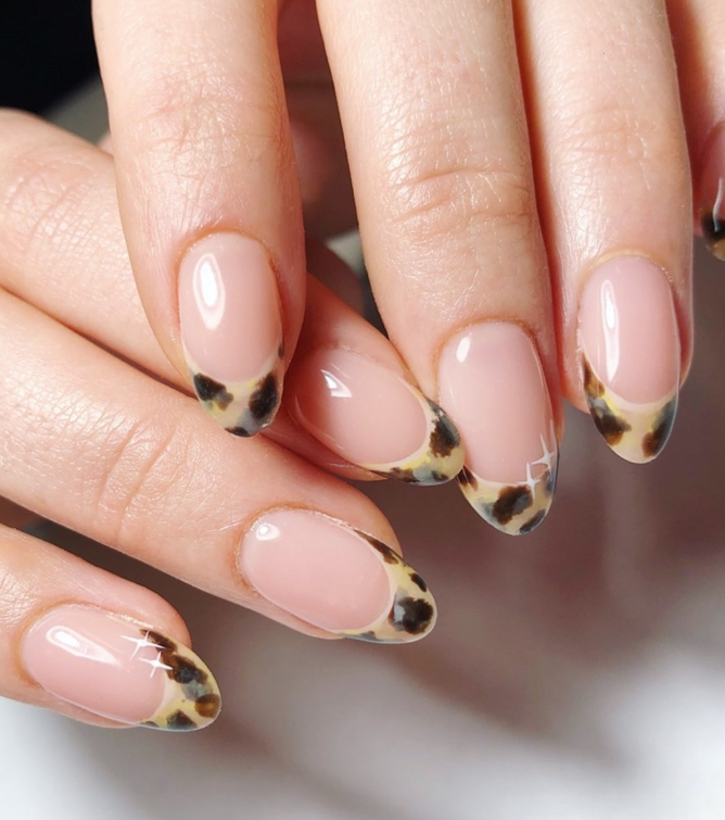 Leopard print French tip nail designs