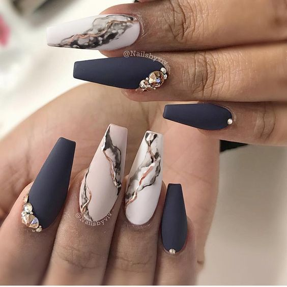 Grey and black marble nails