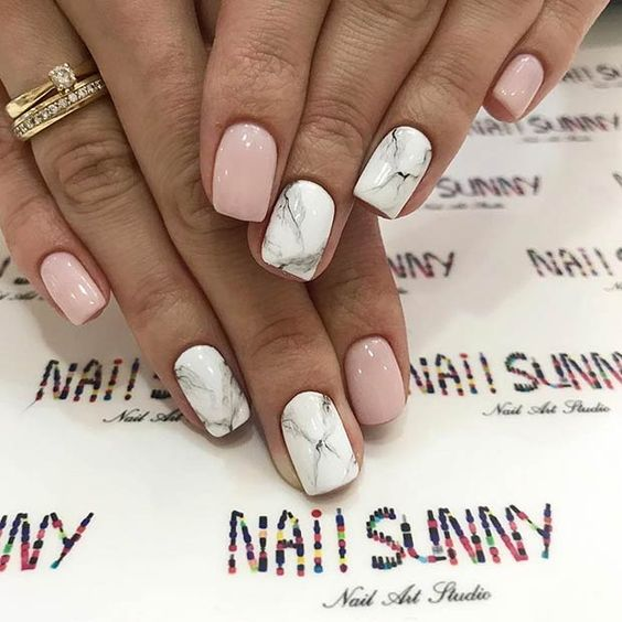 Short pink and white marble nail designs