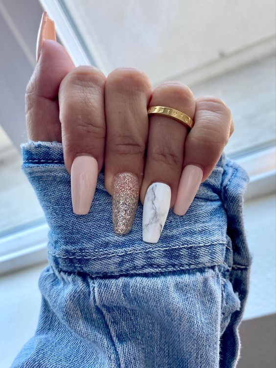 White and pink marble nails