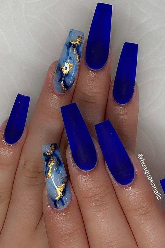 Royal blue marble nails