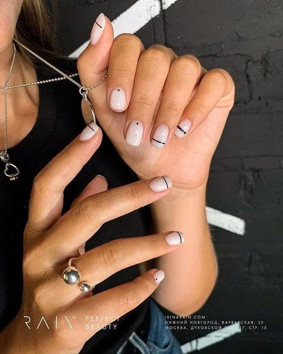 Black and white minimalist short nail designs