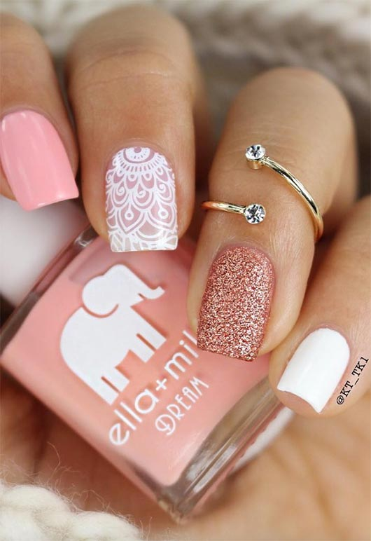 White and pink short nails with glitter