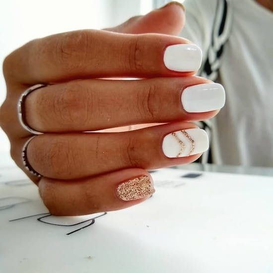 Short white nail designs with glitter