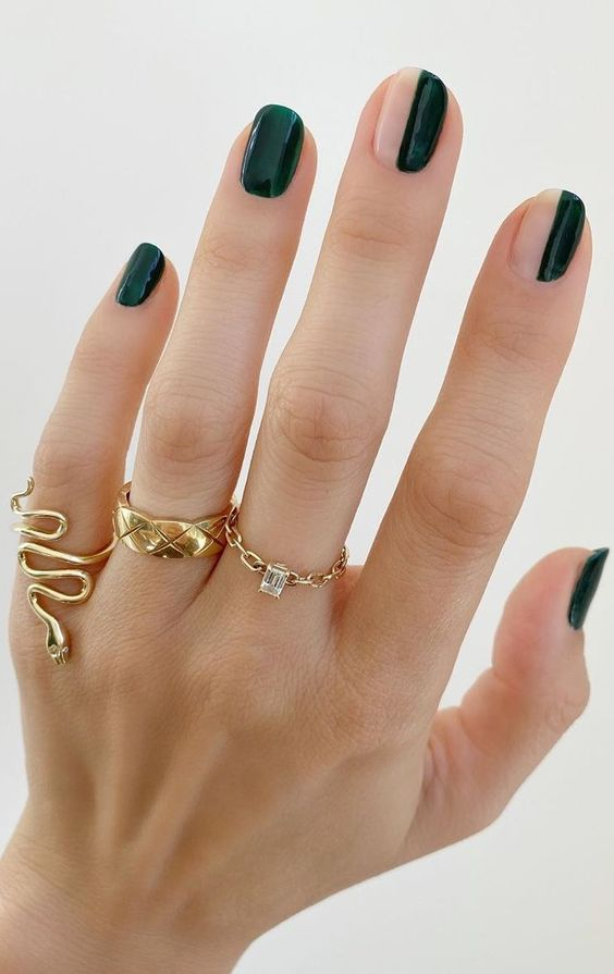 Easy and cute dark green nails