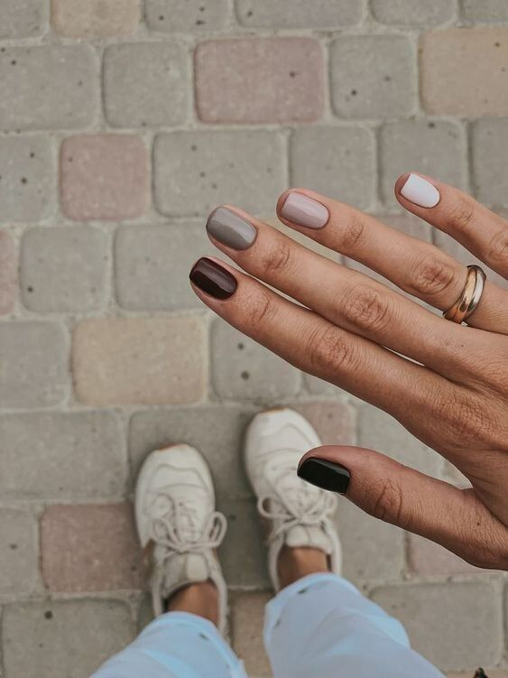 Cute brown ombre short nail designs