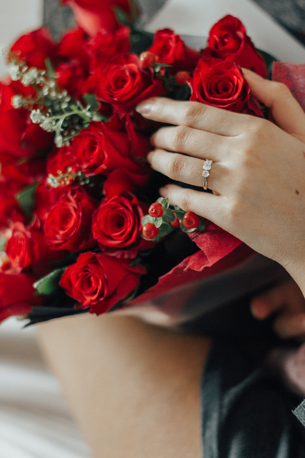 Red roses iPhone wallpapers