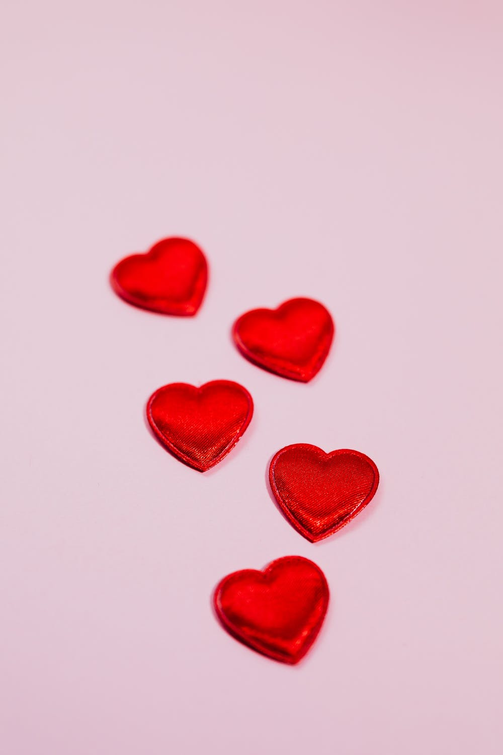 Red heart iPhone wallpapers
