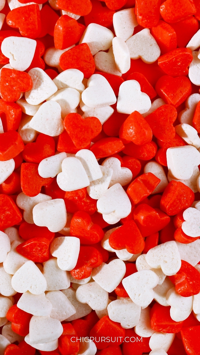 Cute Valentine's Day Wallpapers For iPhone with white and red hearts
