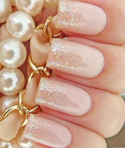 Light pink wedding nails for bride with glitter