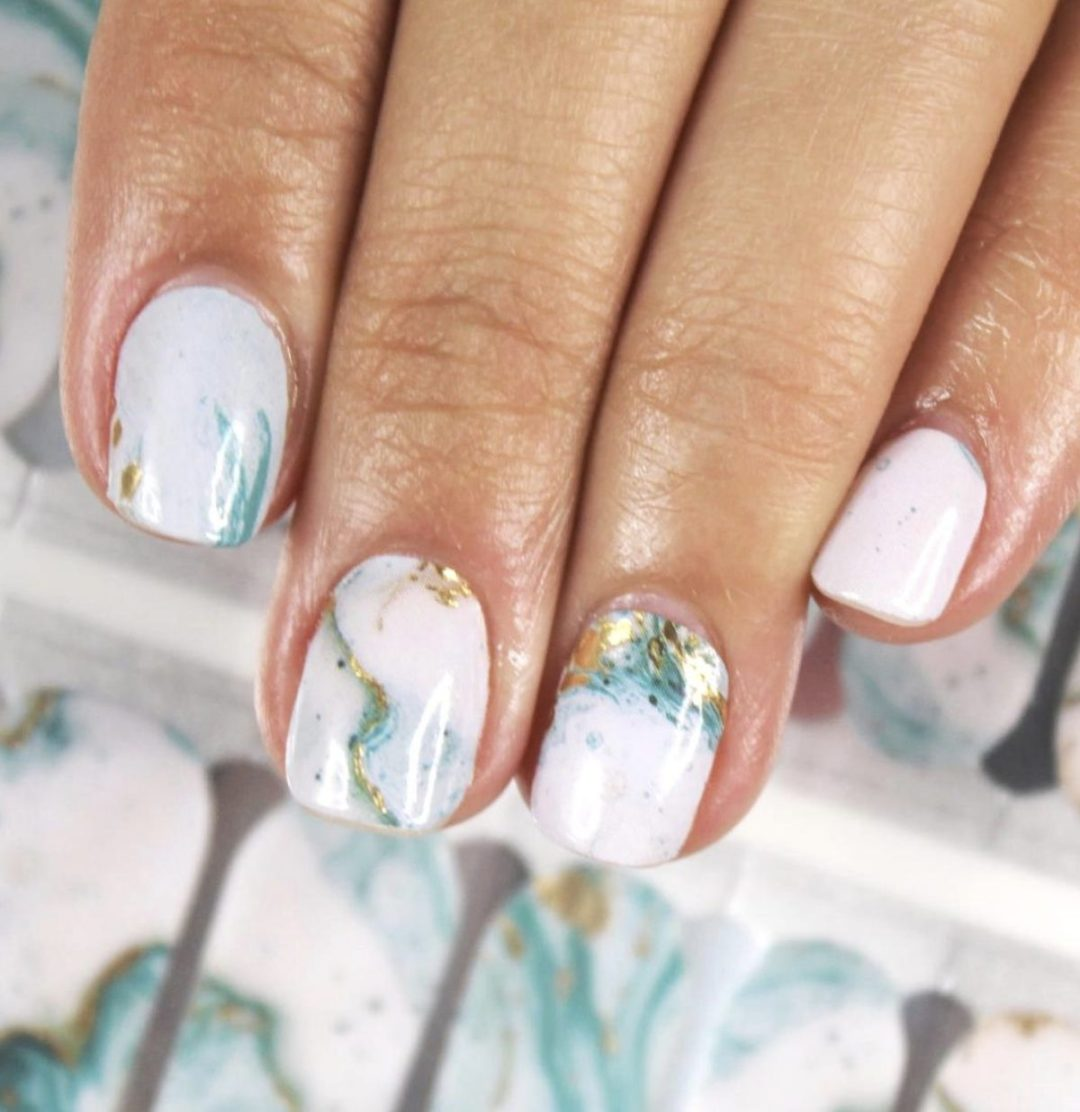 Short white marble nails with turquoise