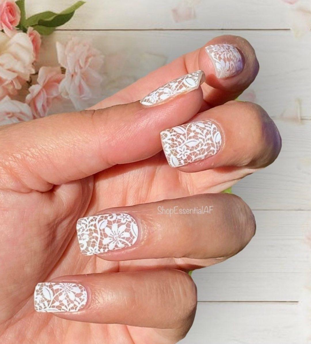 Short white lace nails