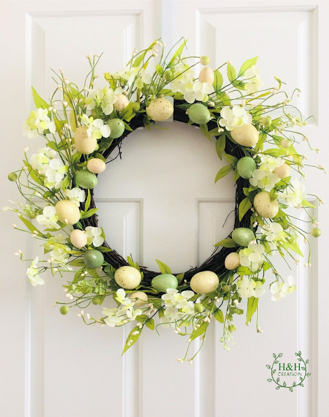 Simple egg wreath with flowers