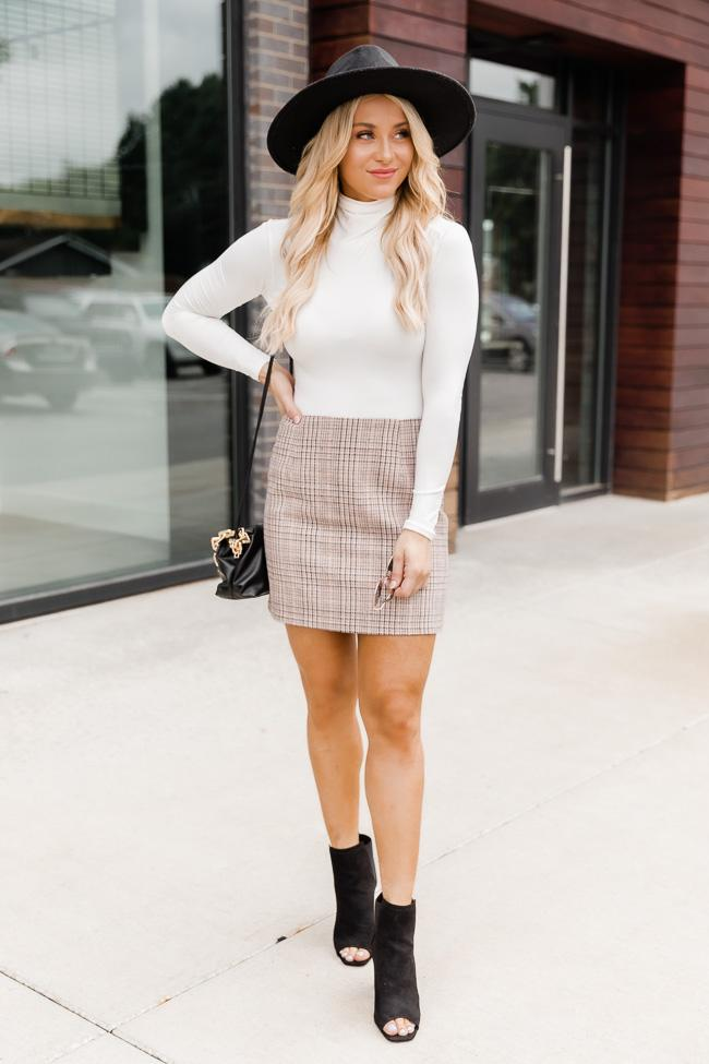 Cute fall outfit with plaid skirt
