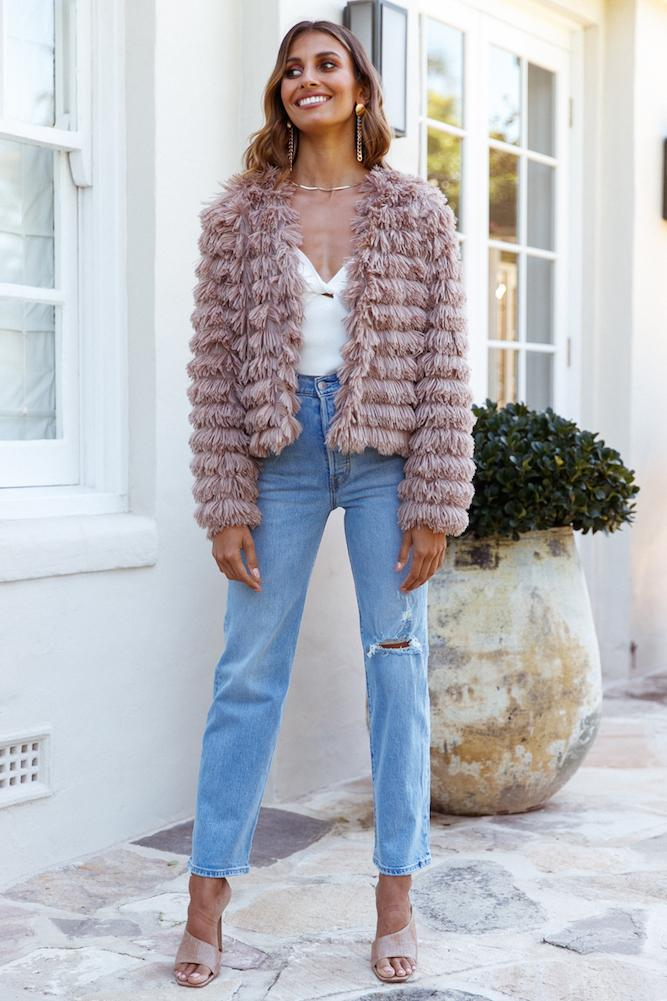 Cute dusty pink winter jackets for women with jeans