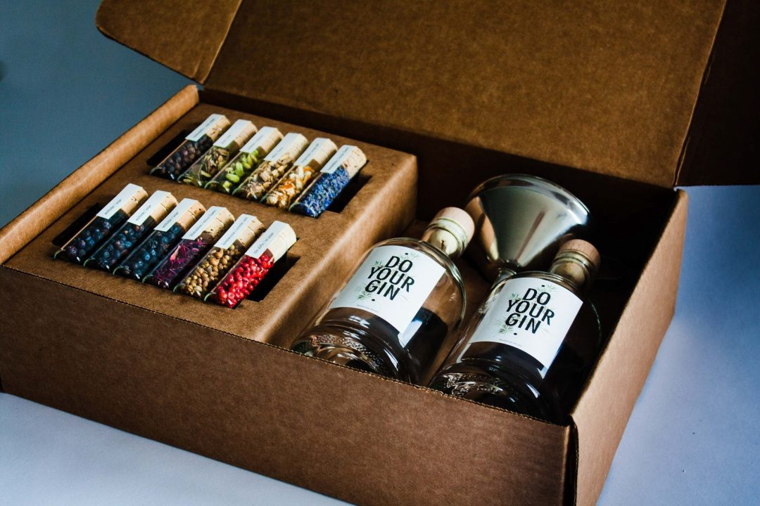 Luxury gifts for mother-in-law: DIY gin set