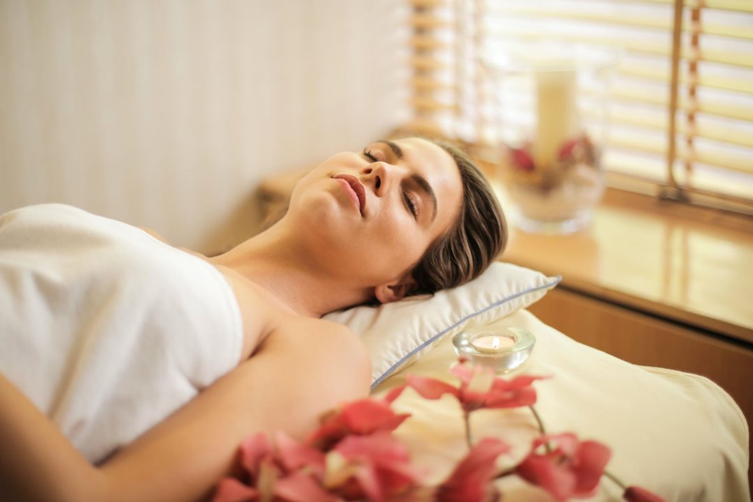 Luxury experience gifts for mother-in-law: spa day