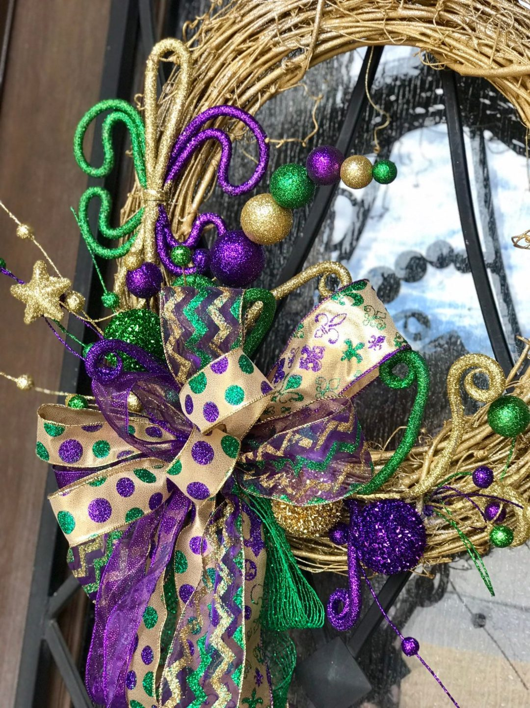 30+ Best Mardi Gras Wreaths That Bring The Festival To You
