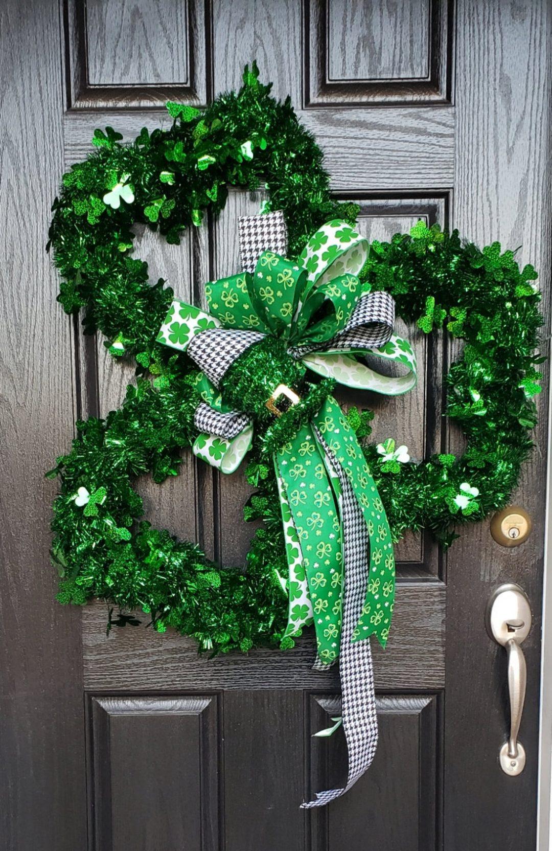 Green shamrock wreaths