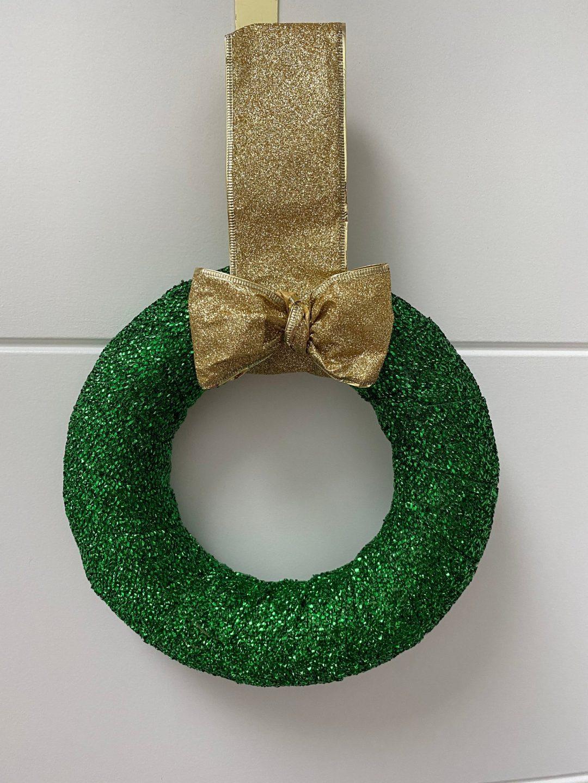 Modern green glitter wreath for the Irish