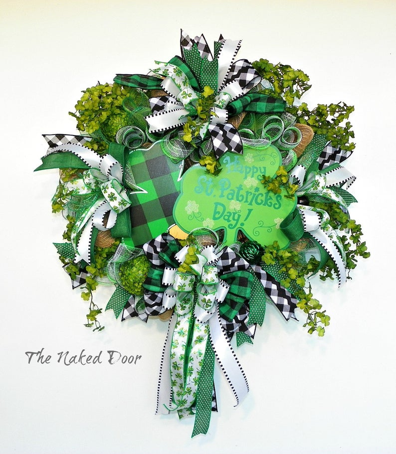 Cute St. Patrick's Day wreaths with ribbon