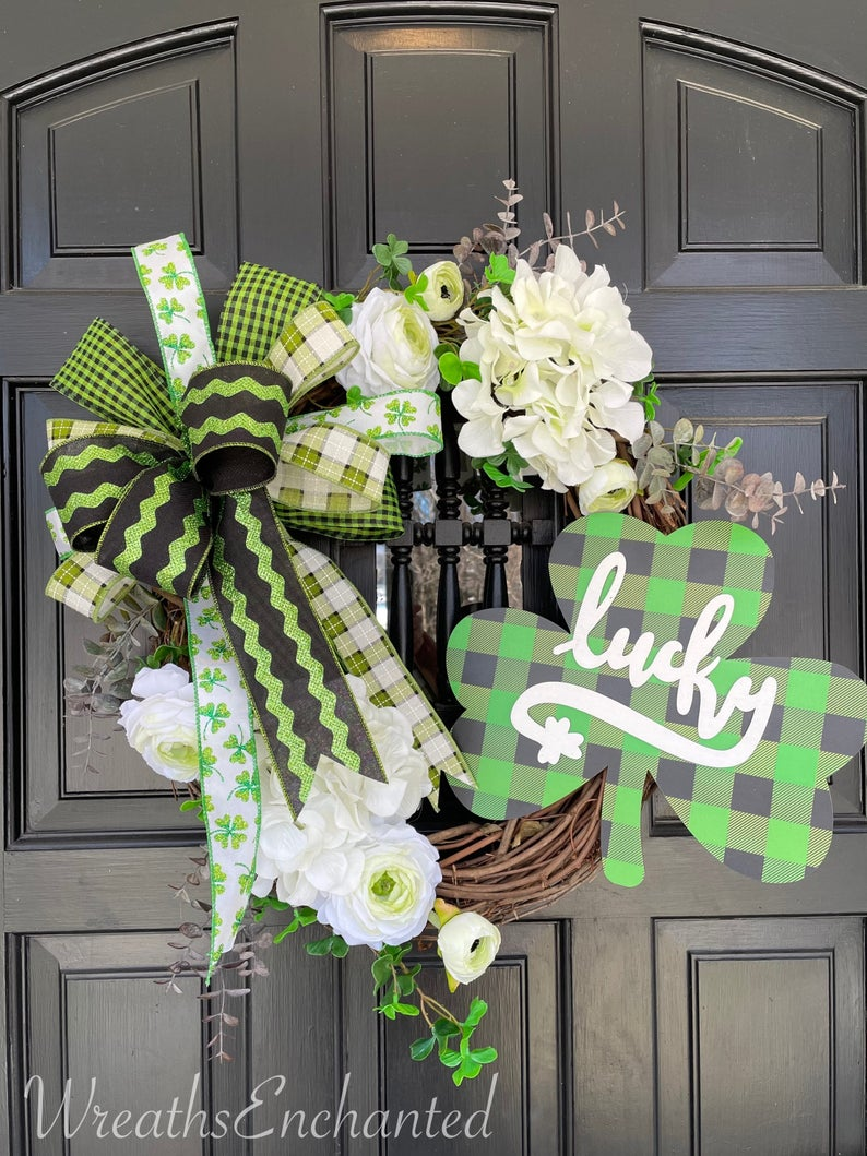 50+ Amazing St. Patrick's Day Wreaths To Celebrate Being Irish