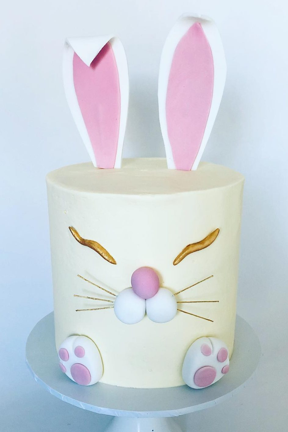Cute Decorated Easter Bunny Cake With Toppers