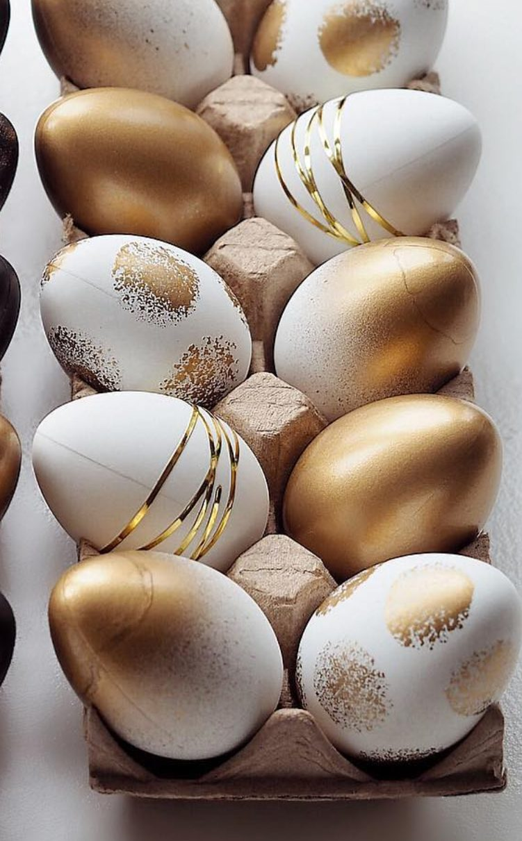 White and gold Easter eggs