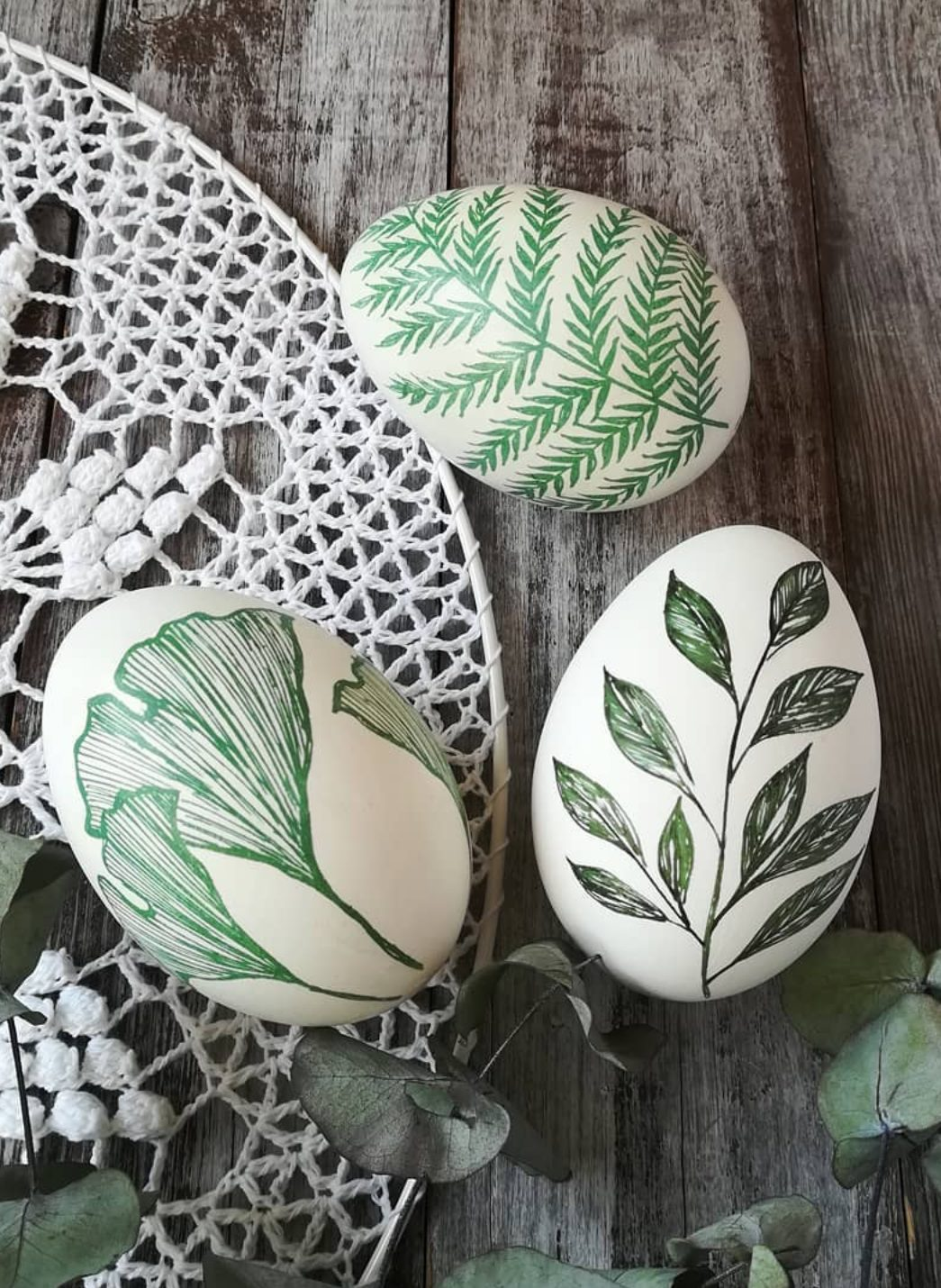 Tropical green Easter egg painting ideas