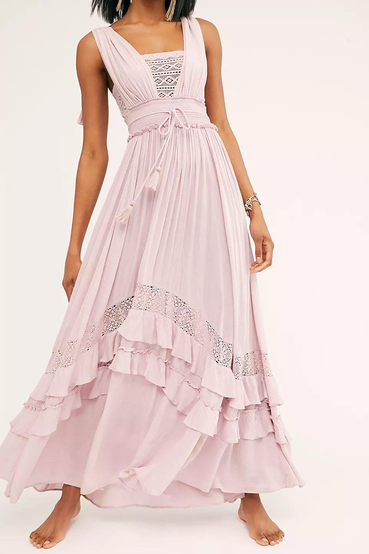 Romantic cottagecore fashion
