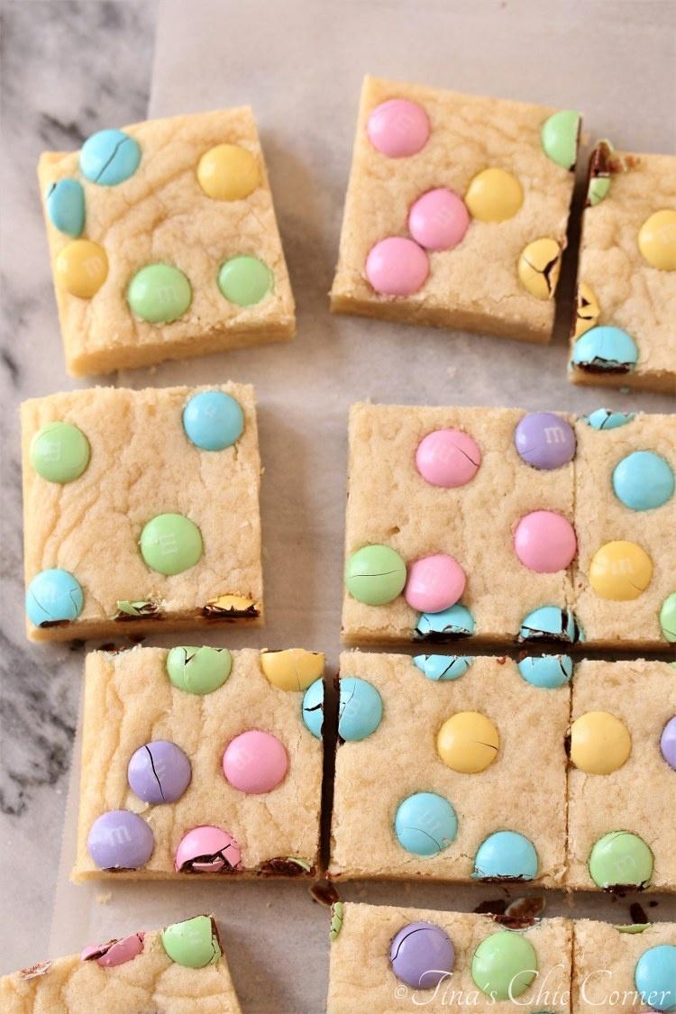 Blonde M&M Sugar Cookie Bars