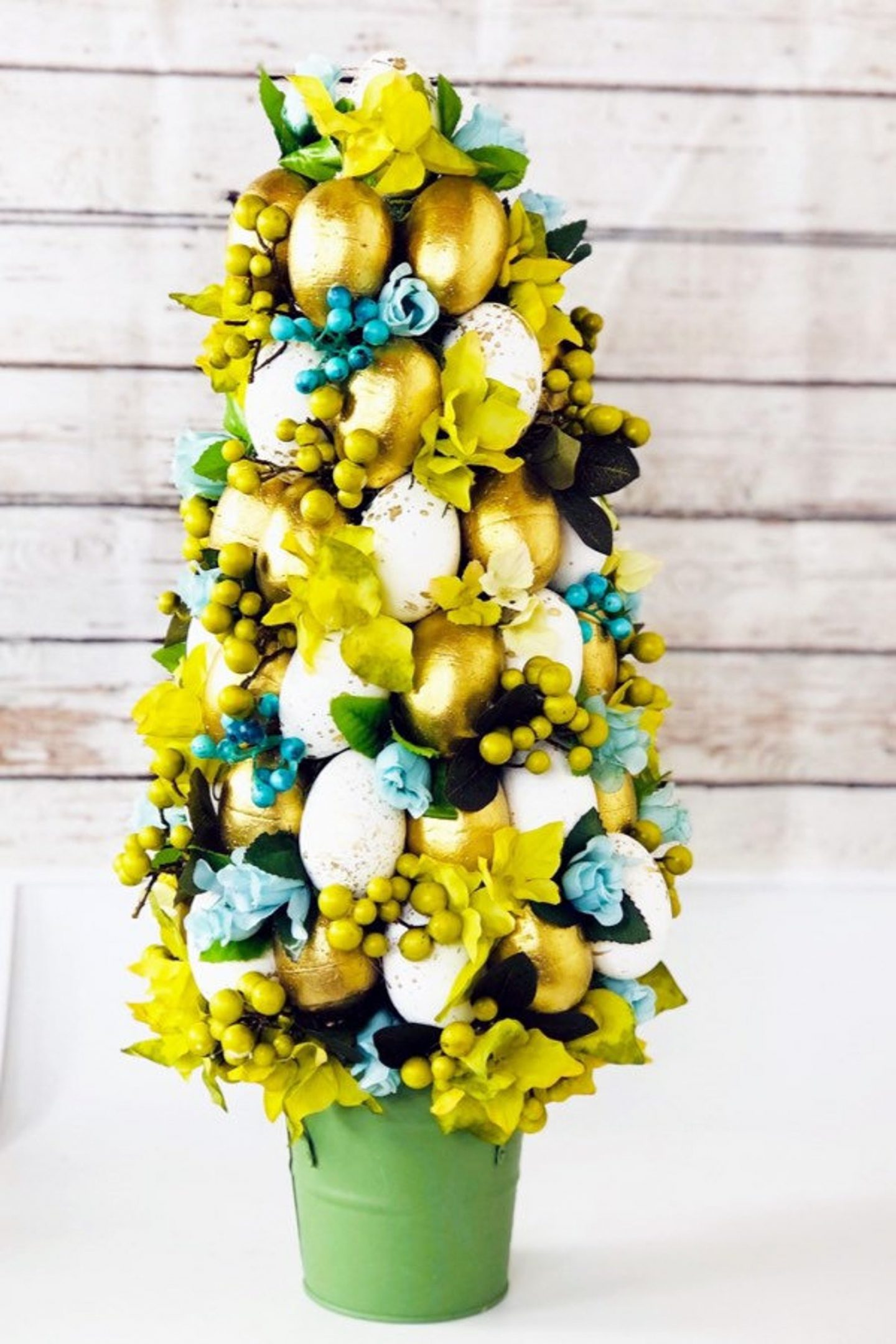 Gold Easter topiary