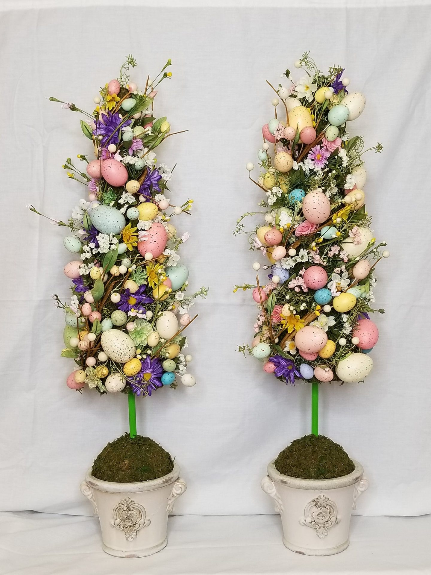 Pastel Easter tree topiary ideas with eggs