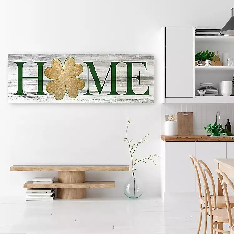 St. Patrick's Day decor ideas - wooden sign