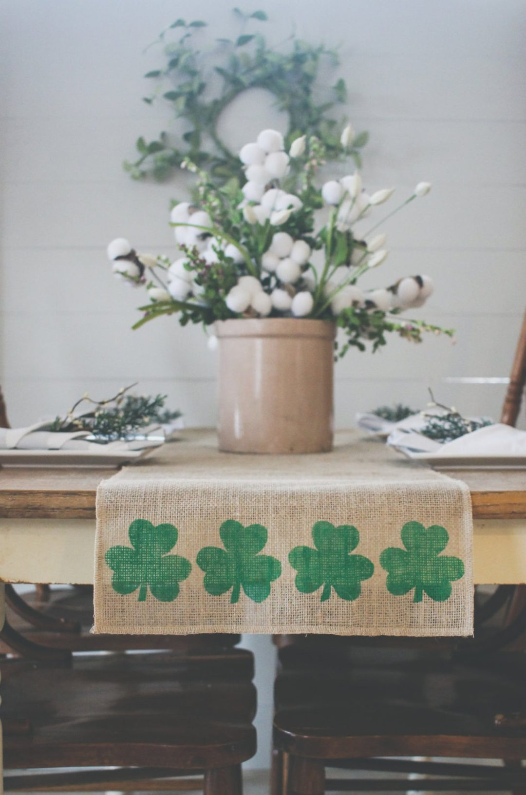 St. Patrick's Day decor ideas - St. Patrick's Day table runner