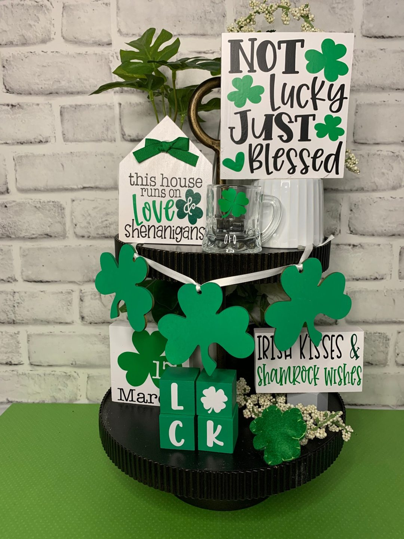 St. Patrick's Day decor ideas with shamrock