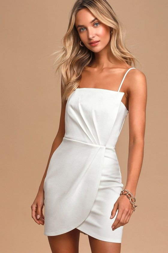40 Gorgeous White Graduation Dresses to Get Your Diploma In Style