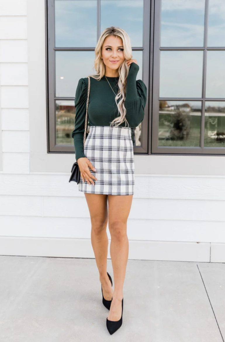Cute plaid skirt outfit - business casual work outfits